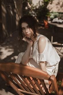 冷淡风美女人体艺术摄影高清图片