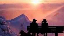 看夕阳的背影图片素材