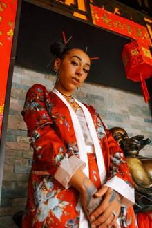 欧美美女中国风着装图片大全
