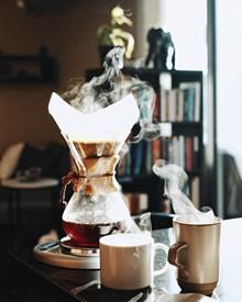 手工泡咖啡图片素材