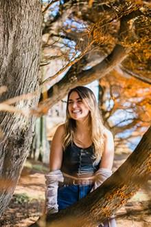 树林性感美女人体摄影精美图片