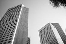 黑白建筑摄影图片下载