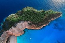 蓝色大海绿色海岛图片下载