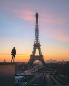 黄昏法国巴黎铁塔高清图片