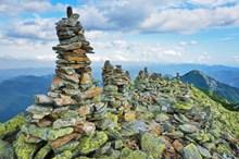 山峰石头堆叠精美图片