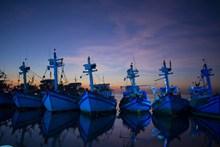 港口渔船停靠精美图片