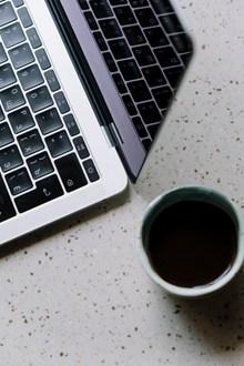 笔记本电脑黑色键盘图片素材