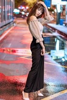 亚洲街拍美女写真高清图片