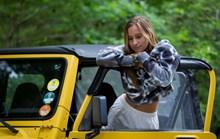 车模美女户外艺术摄影图片