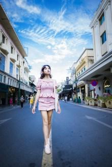 街拍亚洲迷人美女高清图
