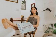 浴袍美女人体艺术写真图片