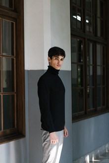 欧洲学生帅哥图片