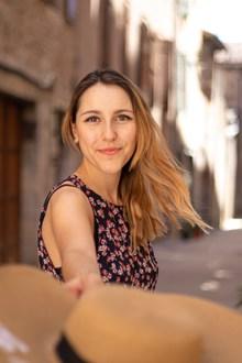 欧洲街头美女街拍图片