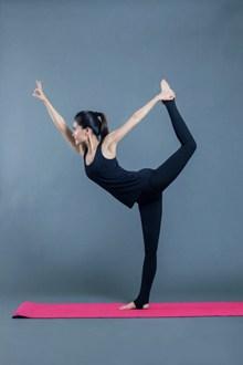形体瘦身瑜伽美女图片下载