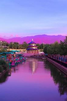 紫色调特色建筑摄影高清图