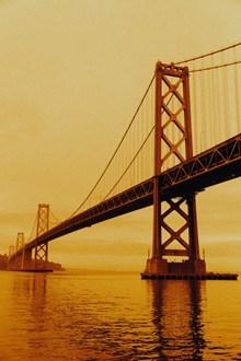 城市跨海吊桥高清图