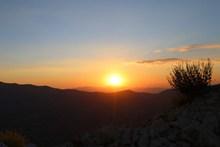 夕阳日落西山高清图片