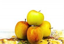 四个新鲜苹果精美图片