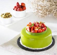 八寸草莓慕斯蛋糕图片