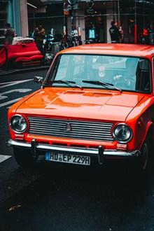 红色复古车图片大全