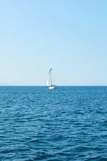 大海与帆船图片下载