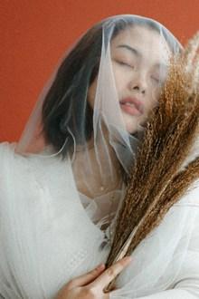 日系唯美女生人体艺术摄影精美图片