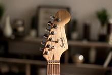 木吉他局部特写高清图片