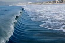 翻滚的海浪图片下载