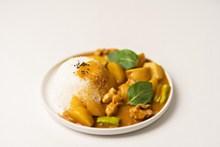 土豆咖喱饭高清图