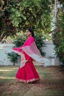 印度裙装美女写真高清图