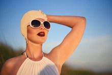 欧美白发性感美女图片下载