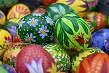 手绘漂亮彩蛋精美图片