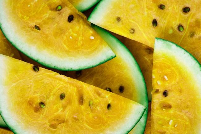 黄色西瓜切片高清图
