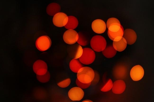 红色光斑夜景图片
