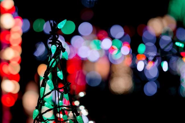 节日夜晚光斑背景高清图片