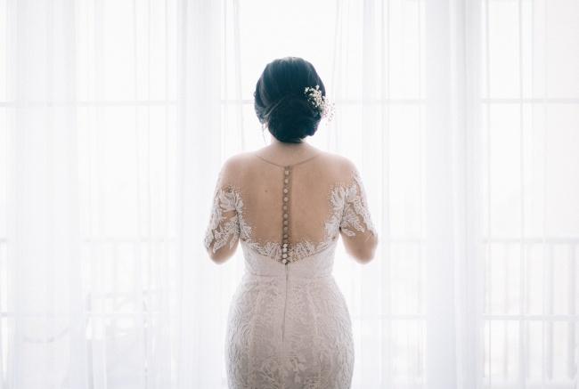 新娘婚纱背影图片素材