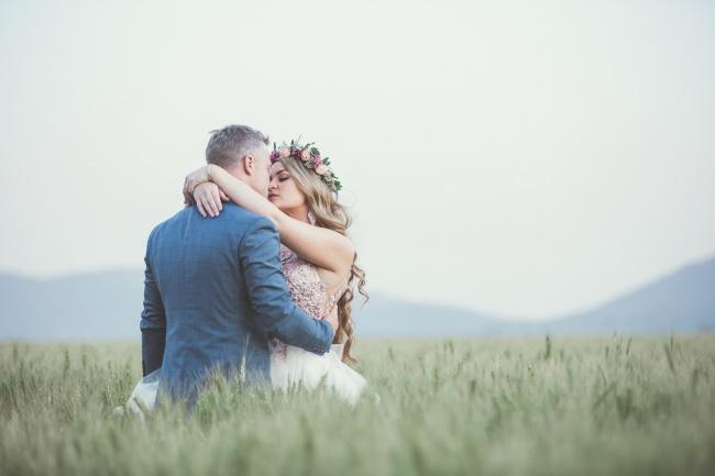欧美婚纱接吻图片大全