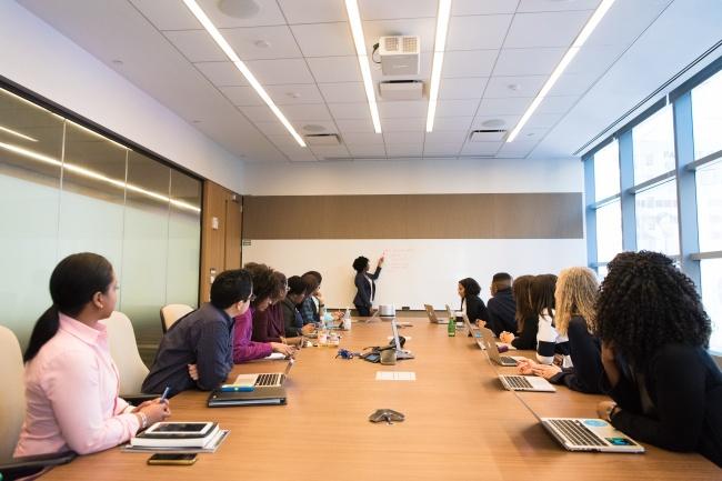 公司会议室开会高清图片