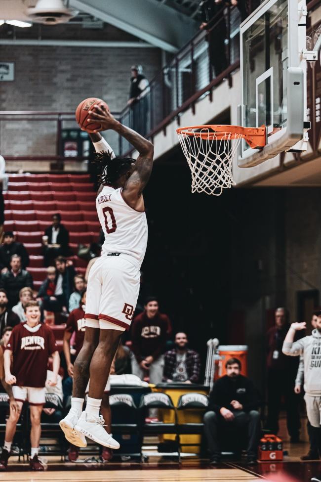 篮球员投篮姿势高清图片