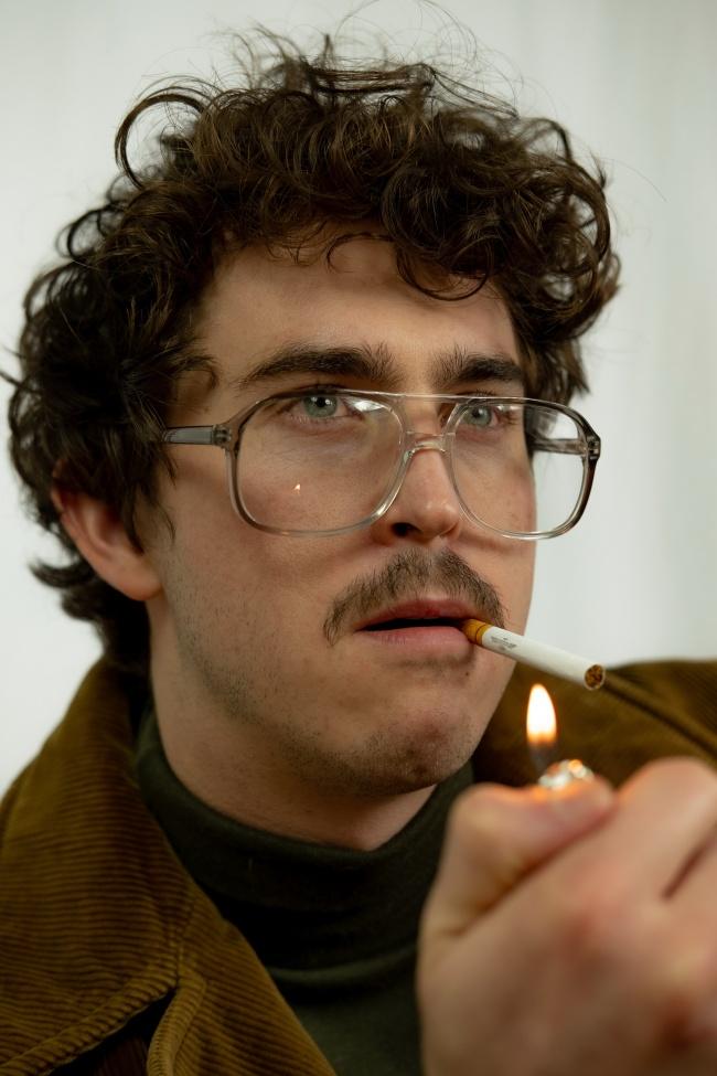 沧桑男人伤感吸烟高清图片