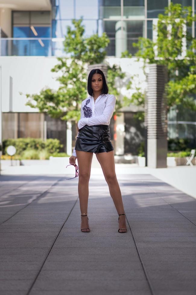 美腿美女人体写真高清图片
