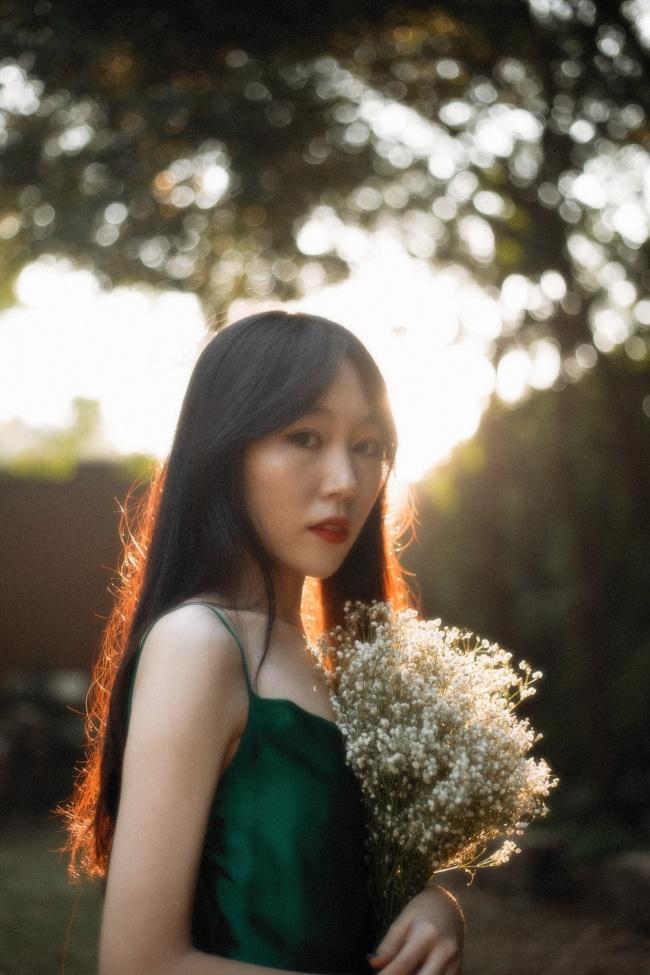 长发气质日韩美女图片素材