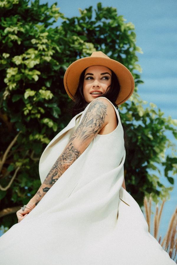 欧美纹身人体模特图片下载
