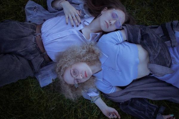 闺蜜双人人体艺术摄影图片下载