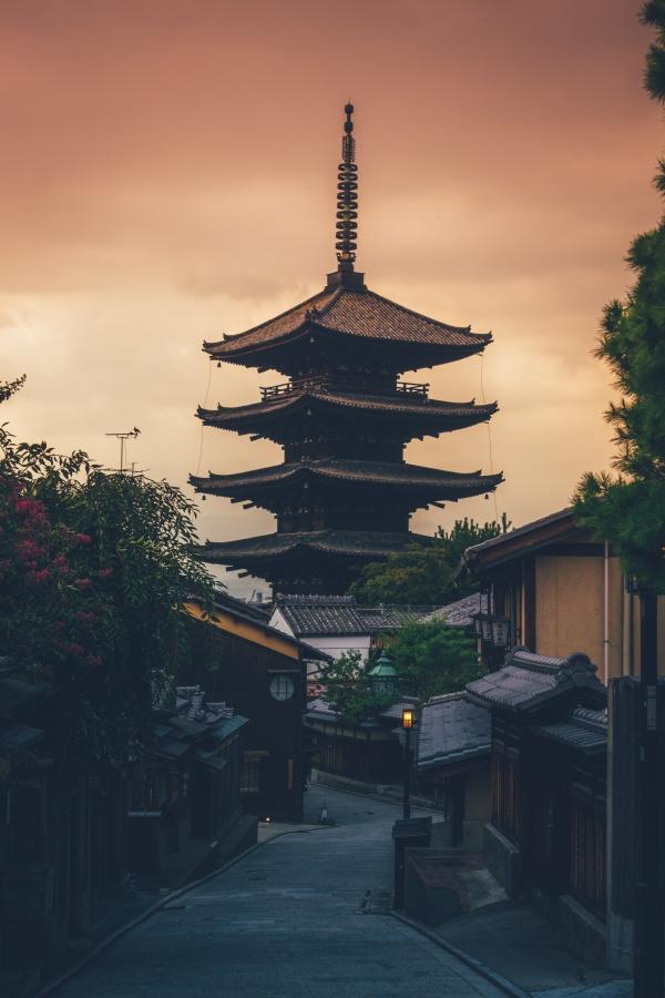 黄昏日式建筑图片下载