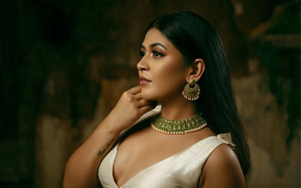 印度丰满性感美女图片