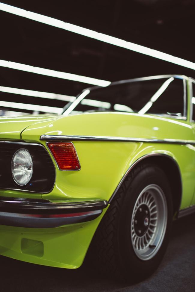 绿色汽车局部图片下载