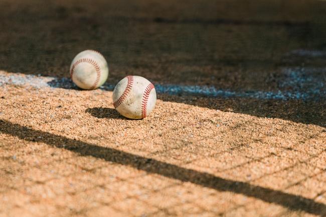 白色垒球图片大全
