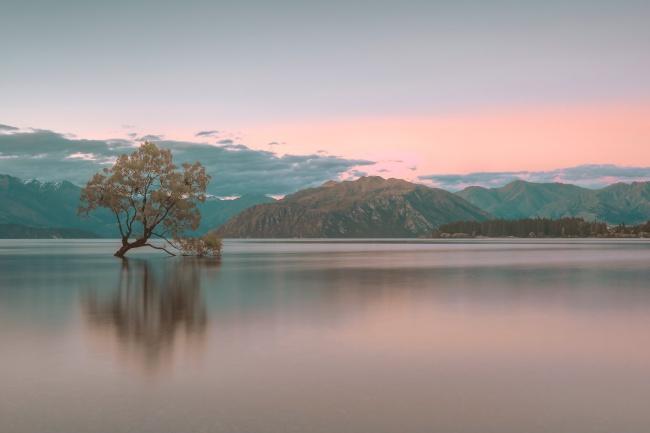 平静的湖泊图片大全