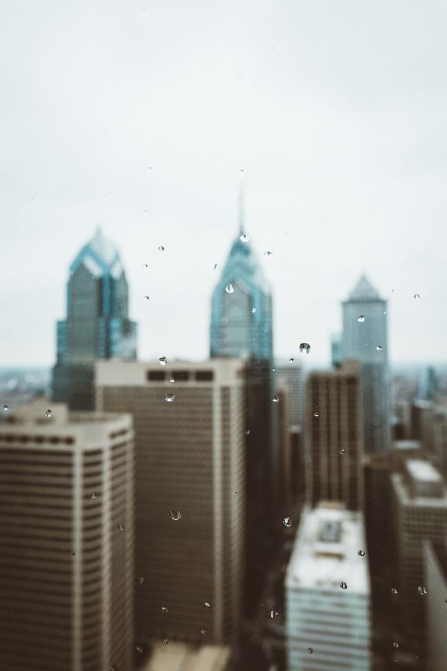 城市下雨的图片下载